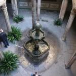 Brunnen im Hof der Casa de l'Ardiaca