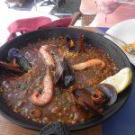 Paella w lokalnej restauracji